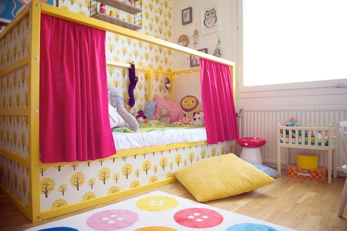 Nya bilder på Charlies rum | Fru Silver